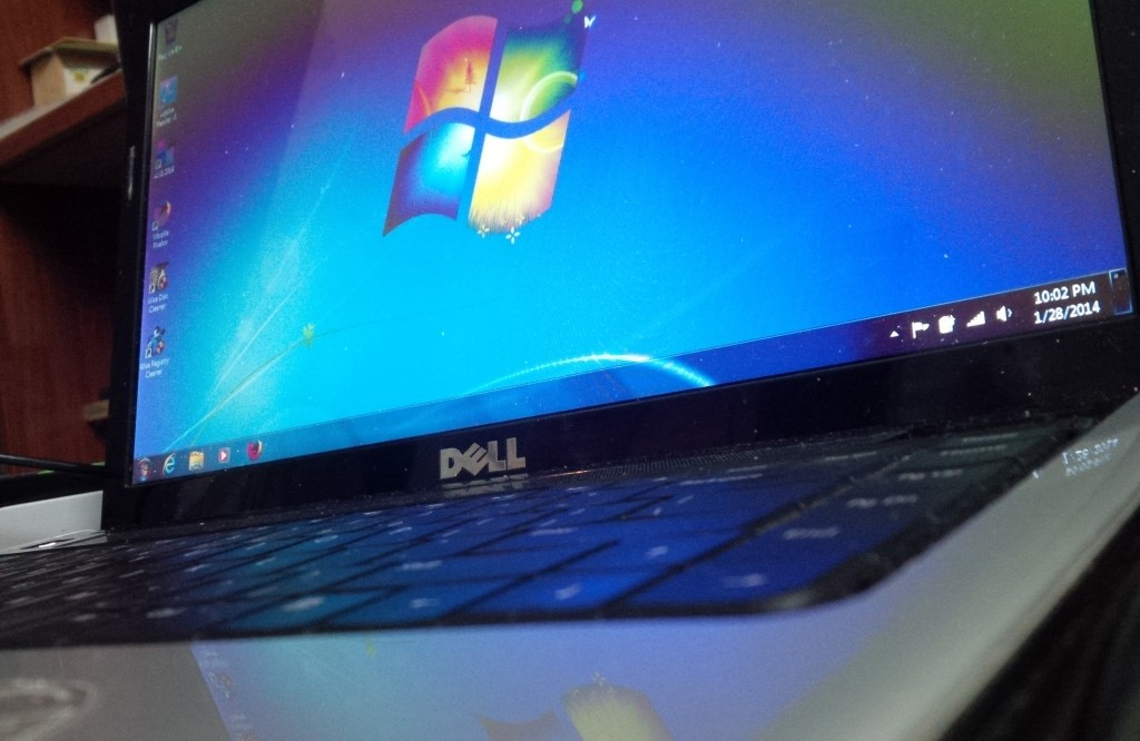 Dell Inspiron 1440 v1